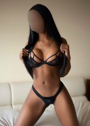 Lauraly busty escort in Westland