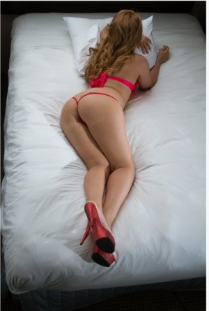Alexanne speed dating & busty incall escort