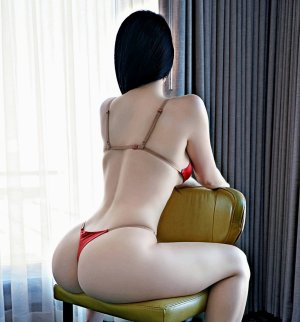 Tuyet busty independent escort